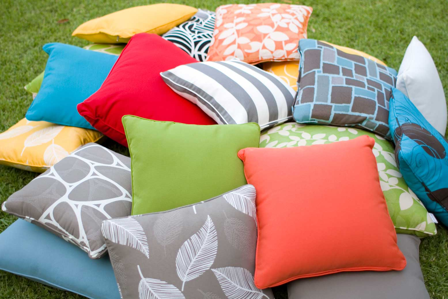 Outdoor Cushions throws